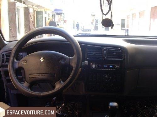 Renault r19 occasion fes diesel prix 63 000 dhs r f fes854 for Renault 9 interieur