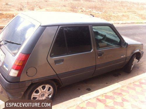 renault super 5 1995 essence voiture d 39 occasion khemisset prix 31 000 dhs. Black Bedroom Furniture Sets. Home Design Ideas