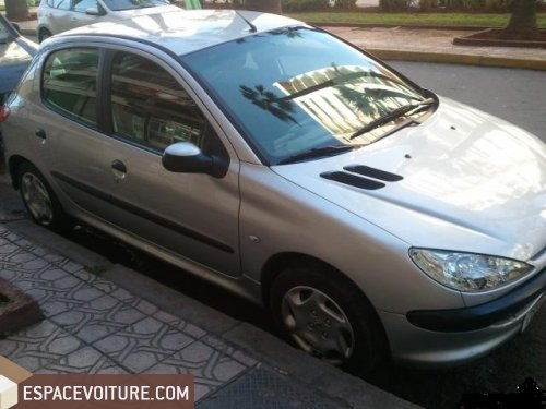 peugeot 206 2001 essence voiture d 39 occasion casablanca prix 48 000 dhs. Black Bedroom Furniture Sets. Home Design Ideas