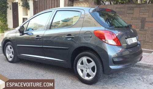 peugeot 207 2011 essence voiture d 39 occasion casablanca prix 89 000 dhs. Black Bedroom Furniture Sets. Home Design Ideas