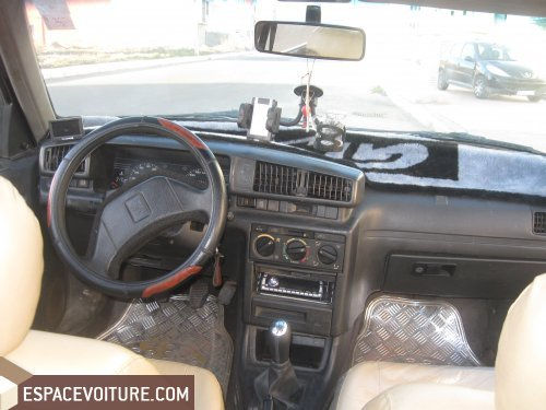 peugeot 405 1989 diesel voiture d 39 occasion agadir prix 44 000 dhs. Black Bedroom Furniture Sets. Home Design Ideas