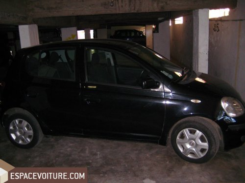 toyota yaris 2004 essence voiture d 39 occasion rabat prix 54 000 dhs. Black Bedroom Furniture Sets. Home Design Ideas
