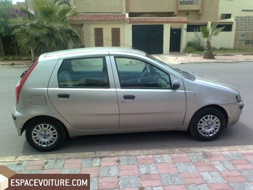 fiat punto 2000 essence voiture d 39 occasion settat prix 55 000 dhs. Black Bedroom Furniture Sets. Home Design Ideas