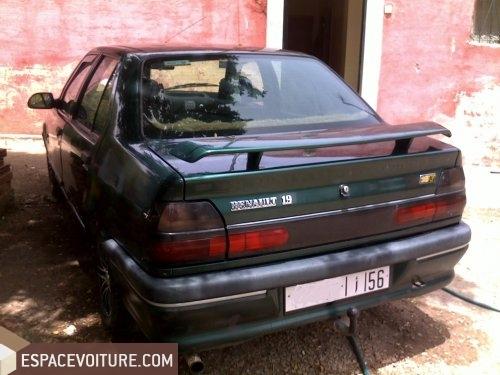 renault r19 1994 essence voiture d 39 occasion berrechid prix 42 500 dhs. Black Bedroom Furniture Sets. Home Design Ideas
