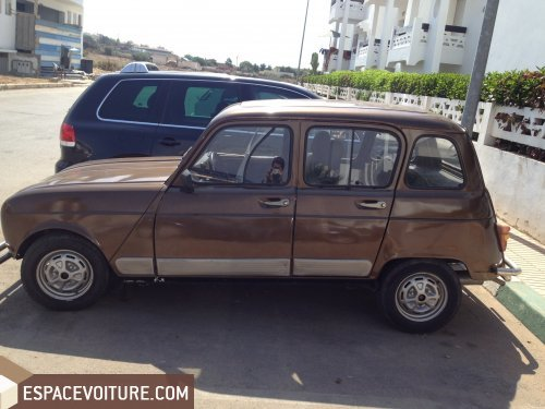 renault 4l 1991 essence voiture d 39 occasion rabat prix 27 000 dhs. Black Bedroom Furniture Sets. Home Design Ideas