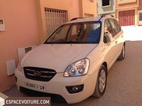 kia carens 2010 diesel voiture d 39 occasion kenitra prix 140 000 dhs. Black Bedroom Furniture Sets. Home Design Ideas