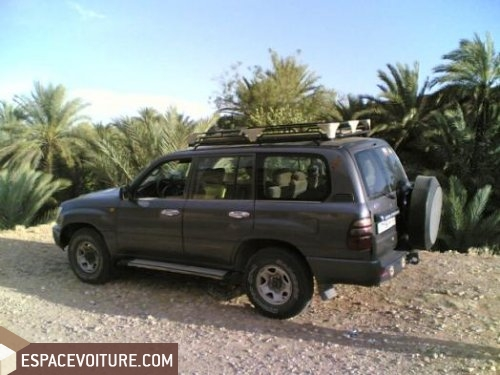 toyota land cruiser 2004 diesel voiture d 39 occasion errachidia prix 150 000 dhs. Black Bedroom Furniture Sets. Home Design Ideas