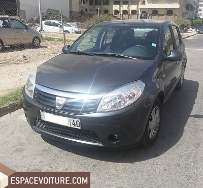 dacia sandero 2010 essence voiture d 39 occasion tanger. Black Bedroom Furniture Sets. Home Design Ideas
