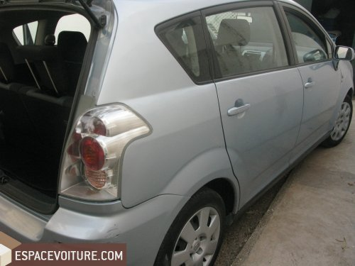 Corolla verso Toyota